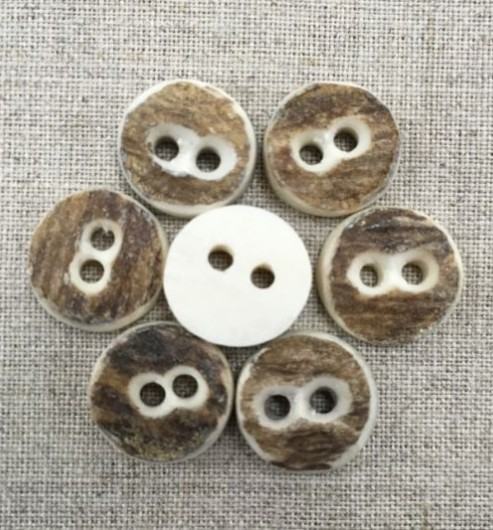 Natural Stag 2 hole Horn Buttons