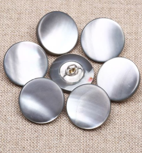 24L Smoke MOP Waistcoat Buttons With Metal Shank