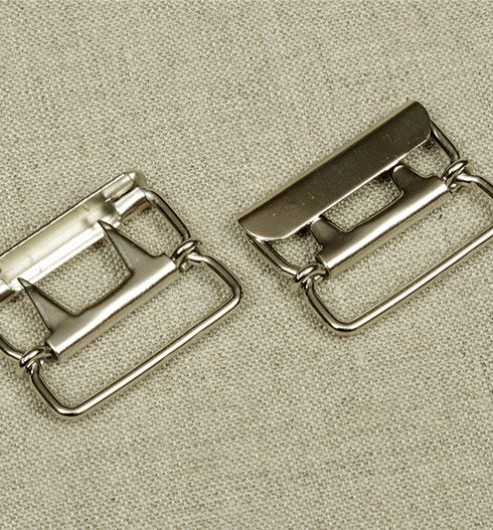 Waistcoat Buckle - Nickel - 2 prong with protective plate