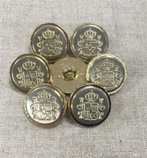 22L Vintage Buttons with Crest
