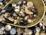 1kg Bag Assorted Horn Buttons - Mixed